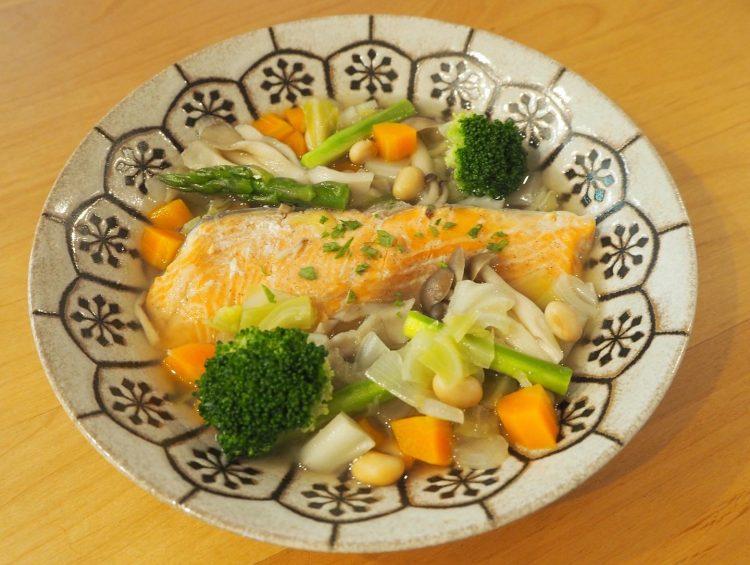 鮭と大豆の食べる野菜スープ